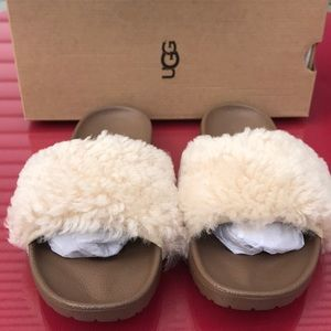 Ugg Royale slippers new in box
